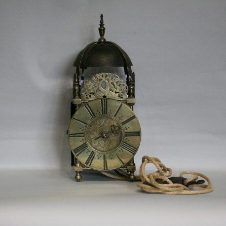 th28-lantern-clock