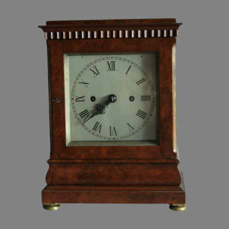 DC2 Barrauds Table Clock